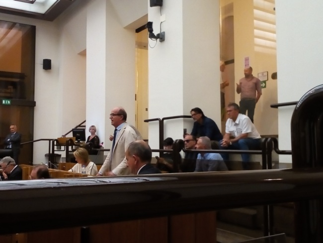 La Regione all'unanimità con i risparmiatori CRO-BpB. Approvata mozione Rometti. No a vendita azioni della Fondazione CRO