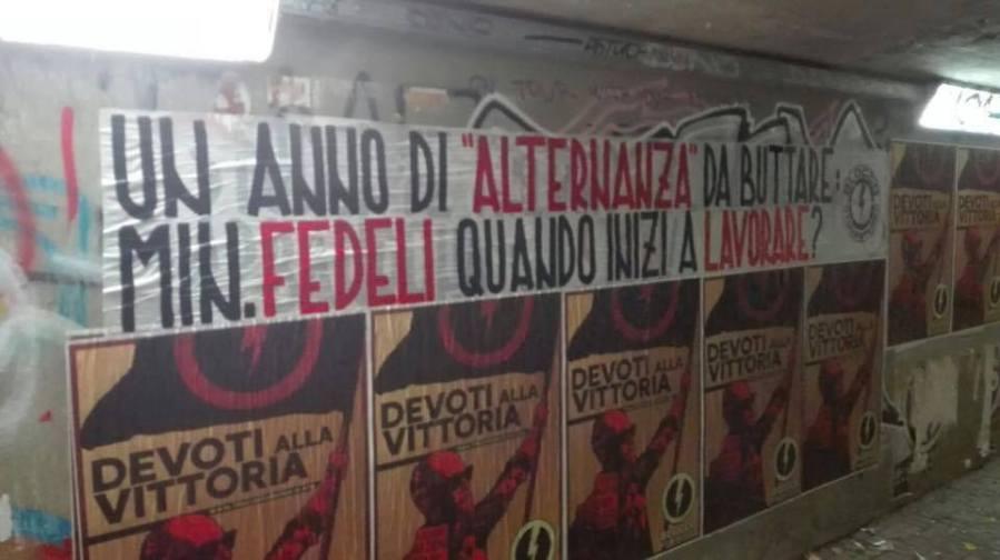 """""""Flop alternanza scuola-lavoro"""", in tutta l'Umbria gli striscioni del Blocco Studentesco"""