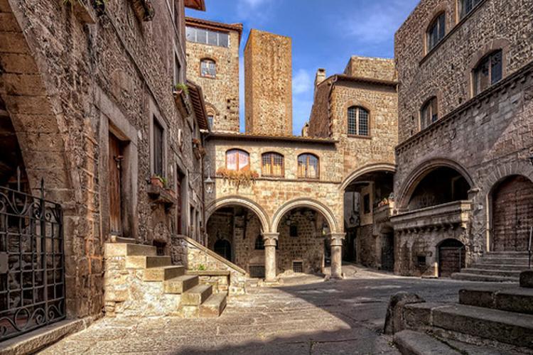 Viaggiando per la Viterbo Rinascimentale tra tra i Monaldeschi, Farnese, Spiriti e Nini