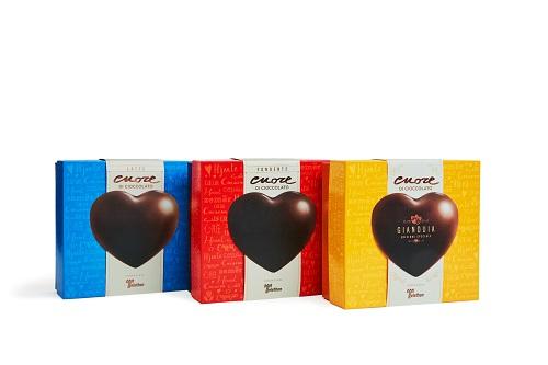 Anche nelle piazze dell'Umbria il cuore di cioccolato di Fondazione Telethon