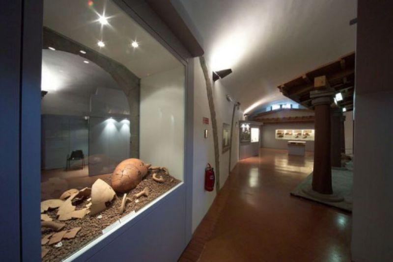 Visita guidata alla scoperta dei tesori etruschi al Museo Nazionale Rocca Albornoz di Viterbo