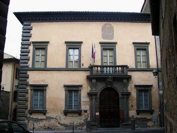 """Palazzo Monaldeschi della Cervara. Lettera a Curia, Prefetto, Provincia e Comune: """"Chiaro sperpero di denaro pubblico"""""""