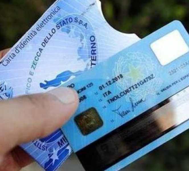 Arriva la Carta di identità elettronica, dal 2 maggio sostituirà quella cartacea