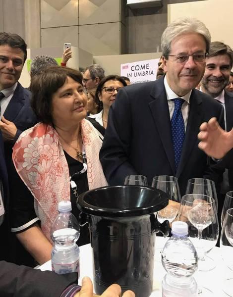 In visita negli spazi umbri del Vinitaly il presidente del Consiglio Paolo Gentiloni