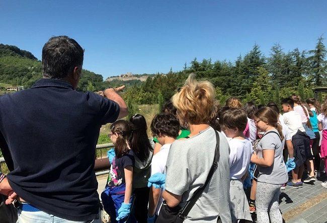 """Al via la III edizione di """"Percorsi ambientali"""" promossa da Sii e Auri, 1700 studenti visitano 44 siti"""