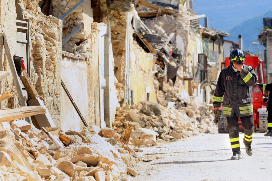 Nove anni dal terremoto all'Aquila: la lettera di un padre, Giustino Parisse, ai suoi due figli