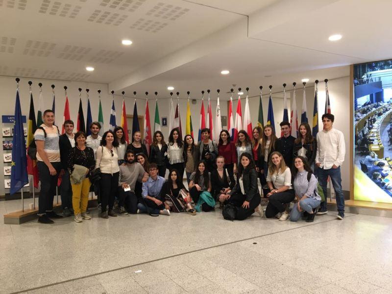 """""""Mai vista l'Europa così da vicino"""", 35 studenti del Liceo Majorana in viaggio premio a Bruxelles"""