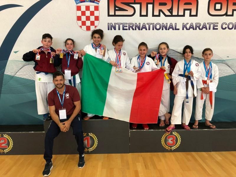 Karate, alla Coppa Italia il dojo aquesiano conquista il podio nella specialità kumite
