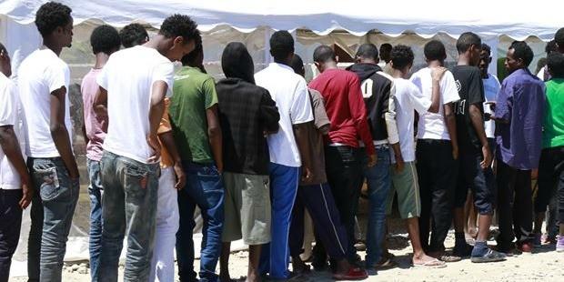 """Arrivano in Umbria 15 profughi, 4 accolti a Orvieto. Marini: """"Chi paga il gioco dell'oca su migranti?"""""""