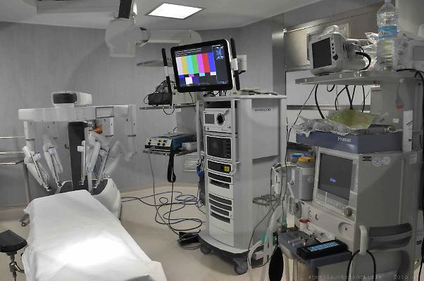 """Nuovo robot chirurgico ad alta definizione, Barberini: """"Innalza la qualità dei presidi di Spoleto e Foligno"""""""