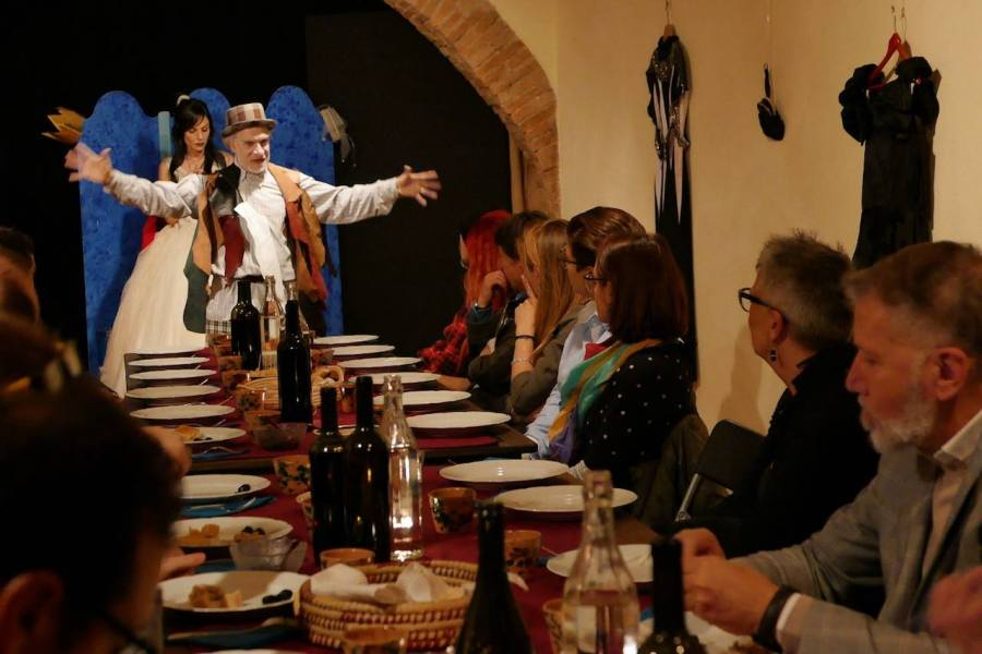 A Civitella D'Agliano riapre l'Osteria da Shakespeare & co. Di e con Gianni Abbate
