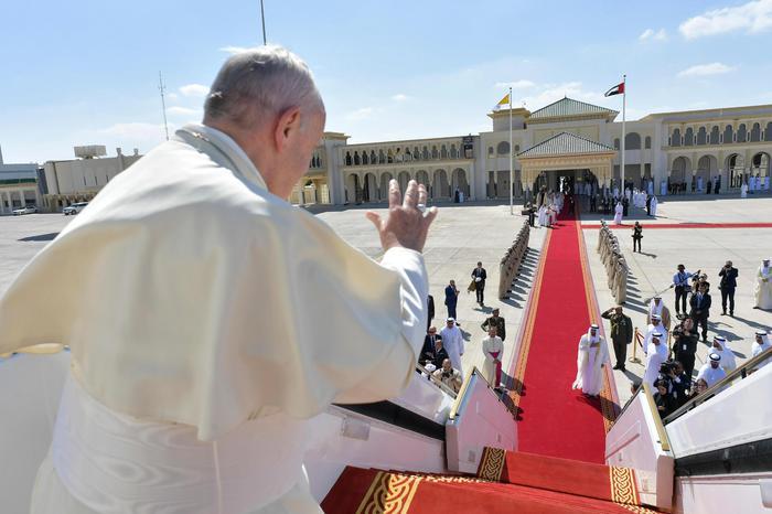 Francesco. La Pace passa attraverso le religioni