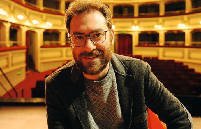 Al Teatro Caffeina di Viterbo va in scena Mister Volare, spettacolo musicale sulla storia di Domenico Modugno