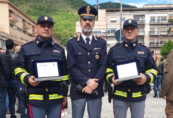 """""""Eroi della sicurezza"""", al Giro d'Italia premiati due agenti della Polstrada di Orvieto"""