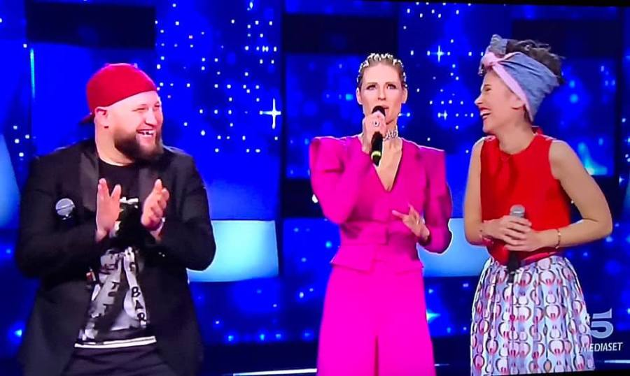 """""""All together now"""", per la cantante orvietana Martina Maggi sfuma il sogno di vincere il nuovo talent show di Canale 5. Ma esce a testa alta"""
