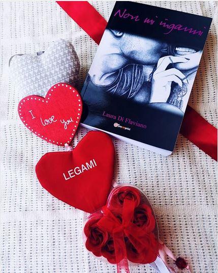 @ilariaticonsigliaunlibro legge 'Non mi inganni' di Laura Di Flaviano. Per chi ama le storie d'amore travagliate