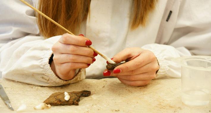 Al via le iscrizioni al secondo corso breve di Restauro su reperti ceramici archeologici