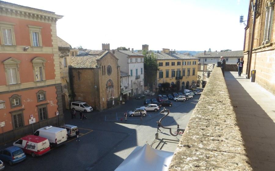"""Gli esercenti del centro storico promuovono il ritorno dei parcheggi in Piazza del Popolo. Santi (Confcommercio): """"C'è ottimismo"""""""
