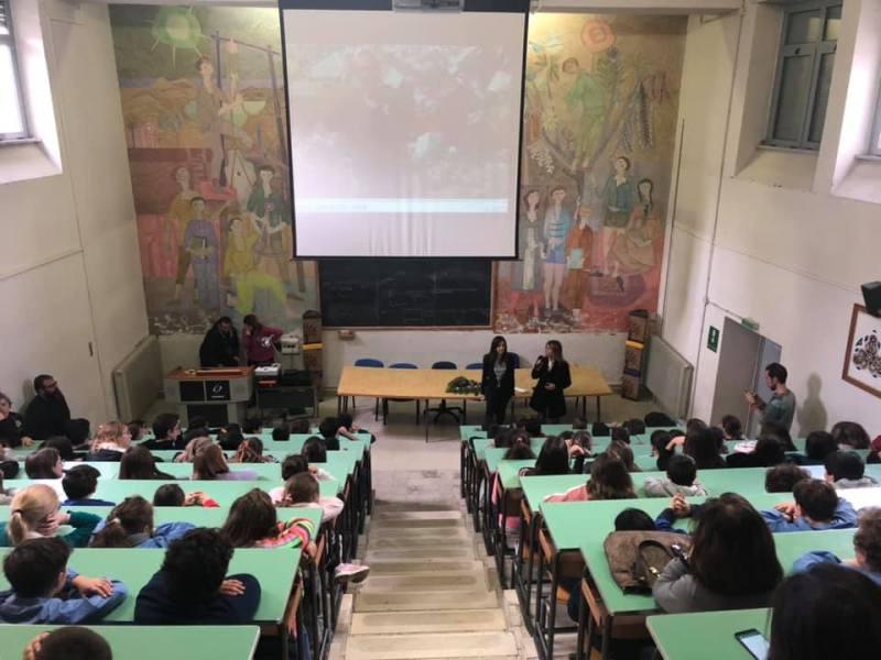 """Al via il progetto SOSostenibile nelle scuole, alla Signorelli proiezione del docu-film """"Meno 100 Kg"""""""