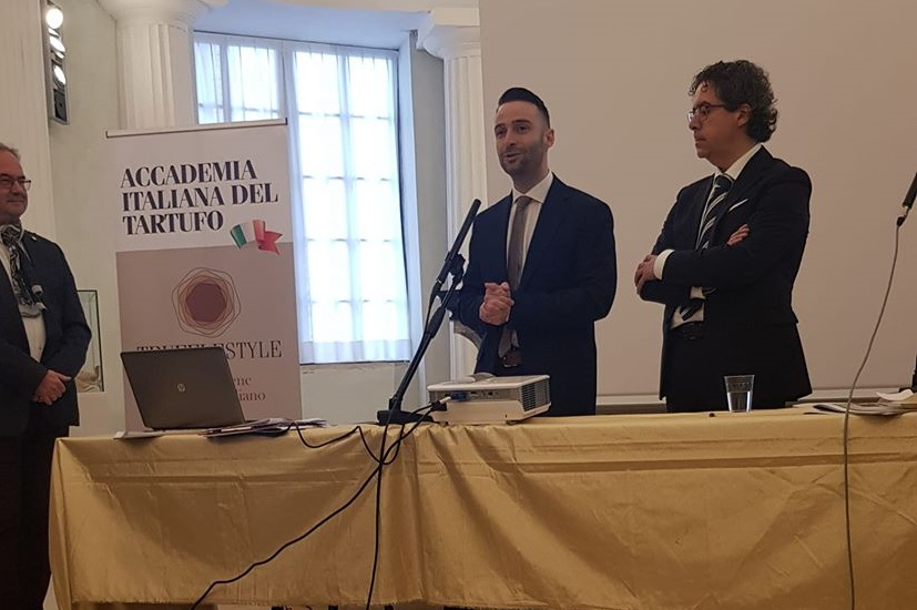 """Baschi tra i primi tre firmatari del protocollo d'intesa """"Paesi Custodi del Tarfufo"""""""