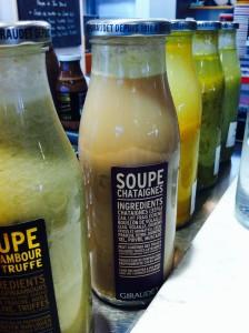 栗のスープここにも。昔お教室でしたとのと違い気になったけど、オマール海老のスープにしました。