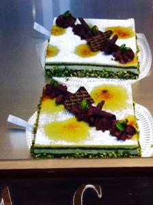 ベルナションのケーキ。ピスタチオですが和っぽいですね。