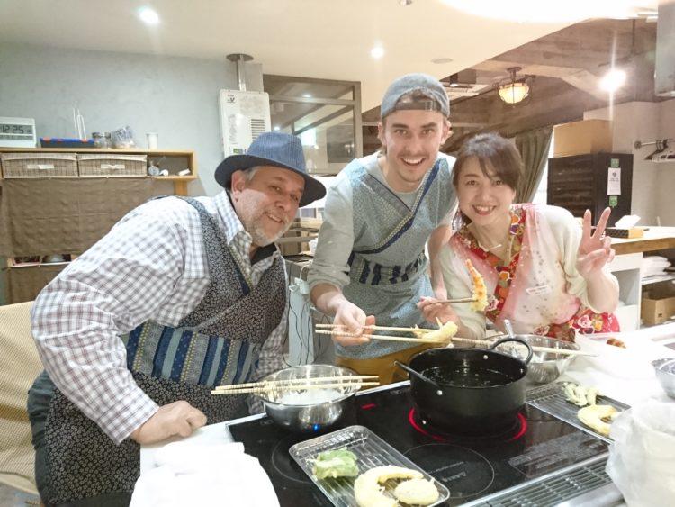 """""""大阪で和食作りを体験""""一日で学べる日本"""