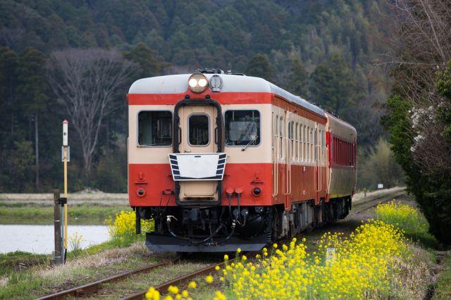 日本の電車が時間に正確な理由(ワケ)とは