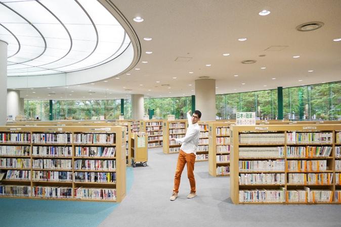 府立中央図書館 (83)