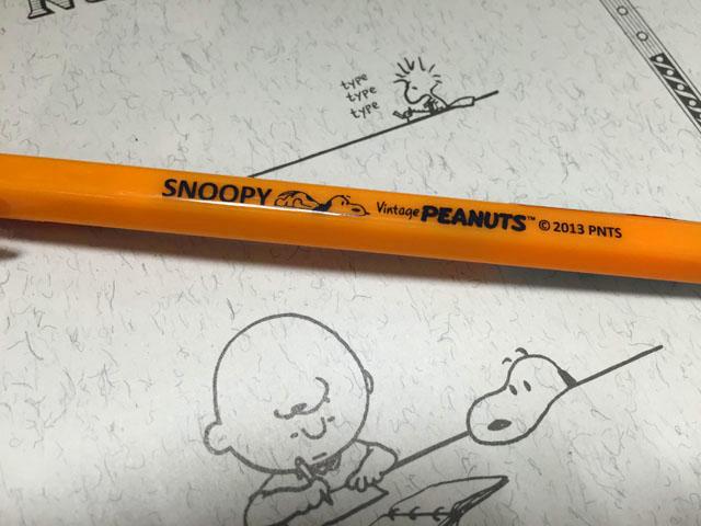 スヌーピー茶屋グッズ,Bicのペンにもスヌーピーのロゴと絵が描かれている