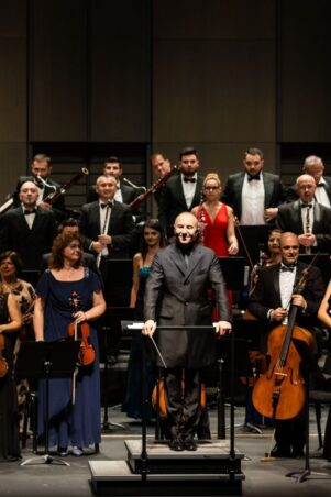 Orchestra Simfonică București - Teatro El Circulo, Rosario, Argentina, Foto Sabine Greppo, Fundación CorpArtes