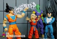 Goku resolveu atacar de cantor, acho melhor eles atacar os vilões que ele se dá melhor.