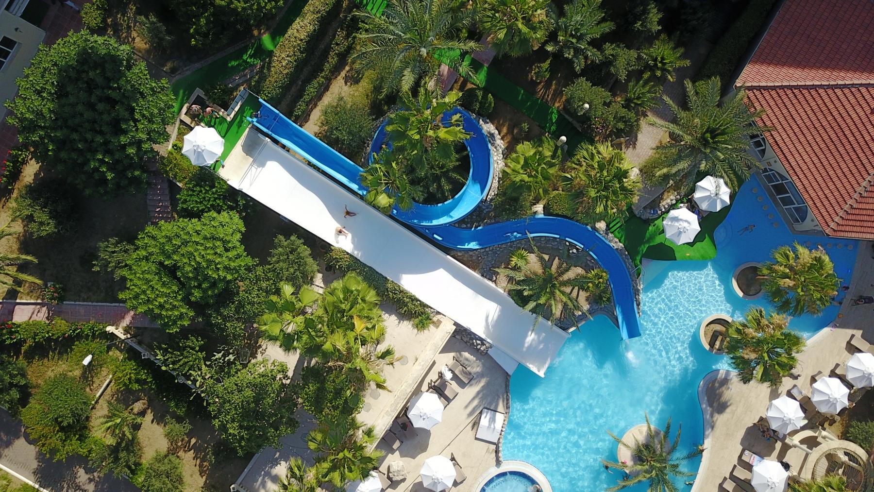 oscar_resort Water Slides