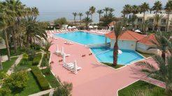oscar resort hotel large pool