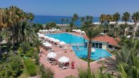 Large Pool Poolside Rooms