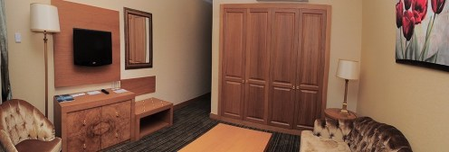pool side suite room oscar