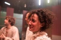 Les Bâtards Dorés - 100 millions qui tombent, filage au Théâtre de la Cité (TNT), Toulouse. Création lumière Lucien Valle. Lisa Hours, Ferdinand Niquet-Rioux & Jules Sagot.