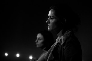 La Compagnia Dell'Improvviso - No Woman's Land, filage au Théâtre Le Comedia, Paris. Mise en Scène Luca Franceschi. Carole Ventura & Nora Alberdi.