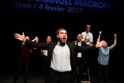 Le Royal Velours - Je m'en vais mais l'État demeure à La Scala, Paris. Mise en Scène Hugues Duchêne. Théo Comby-Lemaitre, Vanessa Bile-Audouard, Marianna Granci, Pénélope Avril, Laurent Robert & Hugues Duchêne.