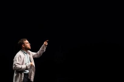 Le Royal Velours - Je m'en vais mais l'État demeure à La Scala, Paris. Mise en Scène Hugues Duchêne. Théo Comby-Lemaitre.