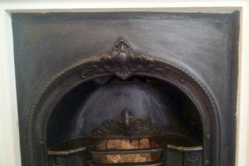gy_museum01_oldfireplace_close_030516