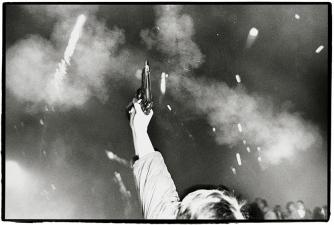 Richard Avedon Brandenburg Gate 08 Berlin Germany New Years Eve 1989