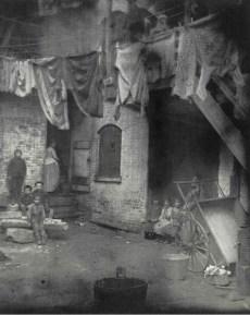 Mietshof. c1880-90s. Jacob Riis