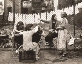 Walter Rosenblum. Group in Front of Fence, Pitt Street, New York, 1938