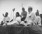 Pyarelal;Mohandas K. Gandhi;Kanu Gandhi;Sushila Pai;Anis Ahmed