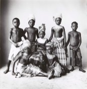 irving_penn_oscarenfotos_irving-penn-dahomey-children