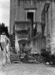 Tina Modotti. Muro y escaleras de un convento ca 1924