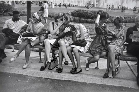 g-w-_worlds-fair-ny-1964_Garry_Winogrand_Women_Are_Beautiful_21