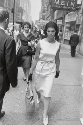 New York City1961_Garry_Winogrand_Women_Are_Beautiful_95