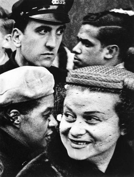 Afroamericanos, judíos, latinos e irlandeses bajo la lente de William Klein